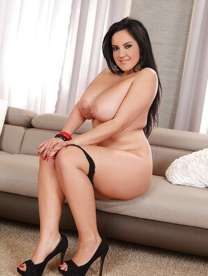 After work chubby goddess takes off clothes and poses naked in living room